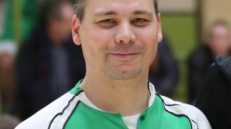 Andreas Langer, der Abteilungsleiter der Fußballer des TSV 1861 Nördlingen, freut sich über eine Zuwendung des FC Bayern München Hilfe e.V. in Höhe von 10000 Euro.