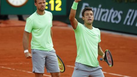 Kevin Krawietz (l) und Andreas Mies gewannen 2019 die French Open.