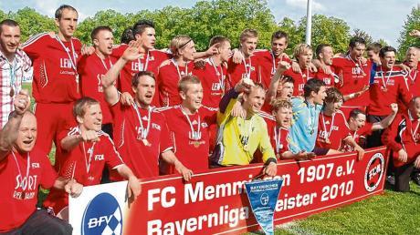 Jubel, Trubel, Heiterkeit: Vor zehn Jahren stieg der FC Memmingen als Bayernliga-Meister in die Regionalliga auf. Seitdem sind die Allgäuer viertklassig.
