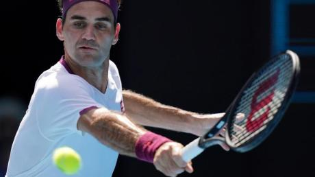 Roger Federer musste sich erneut am Knie operieren lassen.