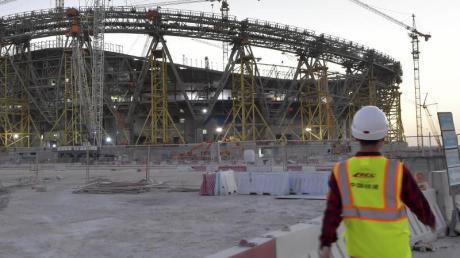 Amnesty International fordert von den Verbänden und Vereinen eine klarere Haltung inBezug auf die Menschenrechtsverletzungen in Katar.