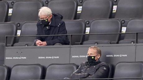 BVB-Präsident Reinhard Rauball (oben) und Geschäftsführer Hans-Joachim Watzke schauten sich das Spiel in Dortmund von der Tribüne aus an.
