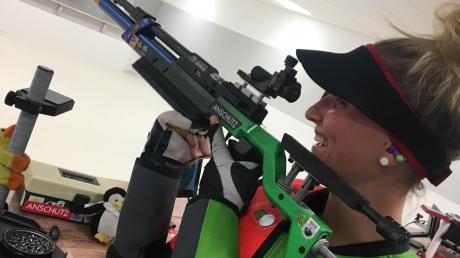 Schießen ist ihr Hobby: Sibille Gerstner ist in der ersten Luftgewehr-Mannschaft von Donauperle Bergheim aktiv. Mit ihrem Team trat sie viele Jahre in der Bayernliga an.