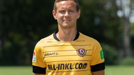 Dynamo Dresdens Spieler Chris Löwe ließ nach der Niederlage in Kiel seinen Emotionen freien Lauf.