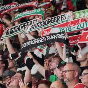 Volle Stehränge im Curt-Frenzel-Stadion? Dieses Bild wird es trotz der Öffnung für Zuschauer sicher nicht geben.