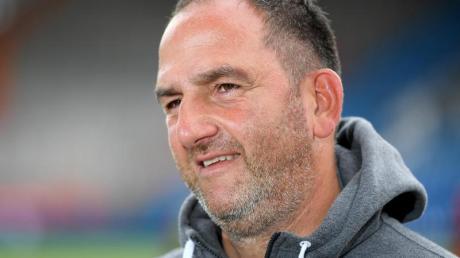 Heidenheim und Trainer Frank Schmidt können mit einem Sieg im direkten Duell am Hamburger SV vorbeiziehen.