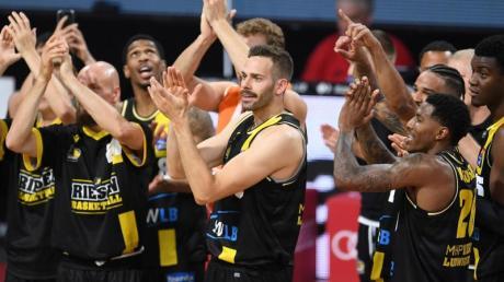 Die Basketballer aus Ludwigsburg haben das Finale beim BBL-Meisterturnier in München erreicht.