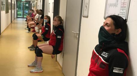 Strenge Auflagen gelten für die Volleyballerinnen des TSV Friedberg. Überhaupt haben es die heimischen Sportvereine schwer.