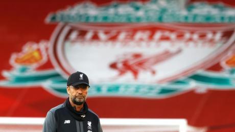 Jürgen Klopp kann mit dem FC Liverpool vor dem Fernseher Meister werden.