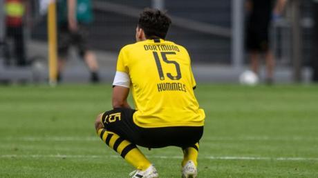 Deprimiert: BVB-Profi Mats Hummels nach der Heim-Klatsche gegen Hoffenheim.