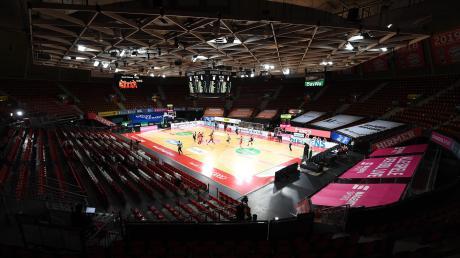 Im leeren Münchner Audi Dome hat sich Alba Berlin die Meisterschaft der Basketball-Bundesliga gesichert.