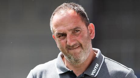 Seit 13 Jahren ist Frank Schmidt der Trainer des 1. FC Heidenheim. Gegen Bremen kann er den Aufstieg in die Bundesliga schaffen.