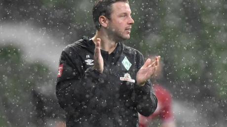 Werder-Trainer Florian Kohfeldt trifft mit seinem Team in der Relegation auf den 1. FC Heidenheim.