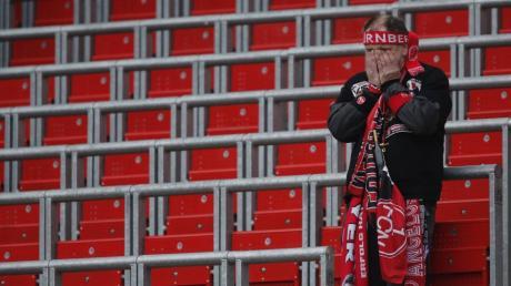 Es ist doch einfach nicht zu fassen: Die Treue ihrer Fans stellen viele Vereine – wie zum Beispiel der 1. FC Nürnberg – fast jedes Jahr auf eine harte Probe.