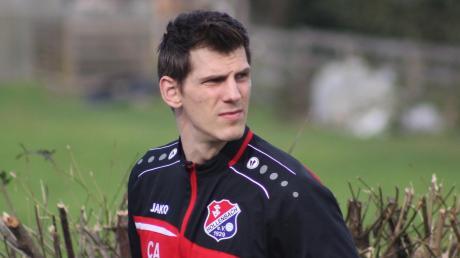 Auf Christian Adrianowytsch wartet eine neue Aufgabe. Er hat den TSV Hollenbach verlassen und will jetzt als Spielertrainer in Aindling für neuen Schwung sorgen. Die laufende Saison wurde zwar bis Mai 2021 verlängert, aber der 33-Jährige wollte nicht mehr so lange auf seinen Wechsel warten.