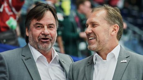 Jamie Bartman (links) und Tray Tuomie werden auch in der kommenden Saison das Trainerteam der Augsburger Panther bilden.