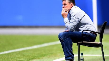 Dieter Hecking muss beim Hamburger SV wohl gehen.