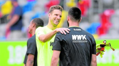 Andreas Luthe (links) und Tomas Koubek. Das Duell der beiden Torhüter war das beherrschende Thema beim FCA in der Rückrunde.