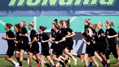 Hungrige Außenseiterinnen:Die Essen-Spielerinnen wollen den sechsten Pokalsieg vom VfL Wolfsburg in Serie verhindern.