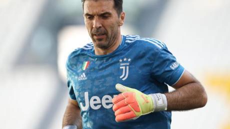 Stand im Turiner Stadt-Derby zum 648. Mal in der Serie A auf dem Platz: Juve-Legende Gianluigi Buffon.