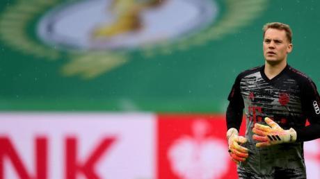Führt den FC Bayern im Geister-Pokalfinale als Kapitän auf das Feld: Keeper Manuel Neuer.