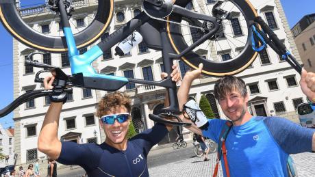 Roman Deisenhofer (links) und Alexander Scherl haben viel vor. 250 Kilometer auf dem Rad, 21 Kilometer zu Fuß und 4500 Höhenmeter stehen auf dem Programm.