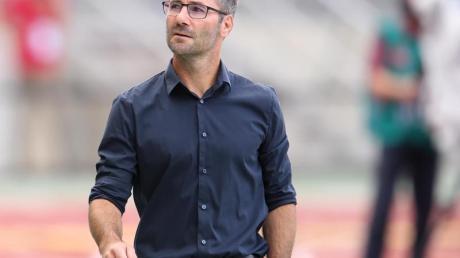 Nürnbergs Trainer Michael Wiesinger will mit seinem Team die Klasse halten.