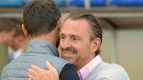 Schwaben-Trainer Halil Altintop (links) hat die Schwaben Richtung München verlassen. Er wird Co-Trainer bei der U16 des FC Bayern. Jürgen Reitmeier hat sein Abteilungsleiteramt übergeben.