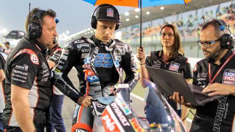 Marcel Schrötter konzentriert sich auf den Start. Das war im März beim Rennen in Katar, als er am Ende Platz sieben holte.