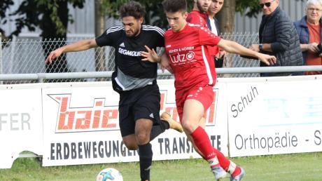 Mit 10:0 schmiss der TSV Pöttmes (rote Trikots) den TSV Friedberg aus dem Pokal. Mit dem Halbfinale eröffnen die Pöttmeser die Restsaison.