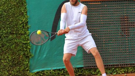 Patrick Nystroem, der zu den 100 besten Tennisspielern in Deutschland zählt, hat sich dem TC Rot-Weiß Gersthofen angeschlossen, nachdem sich sein Heimatverein TC Bad Wörishofen aus der Regionalliga zurückgezogen hatte.