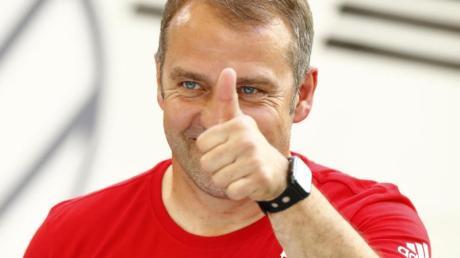 Hat mit seinen Spielern wieder das Training aufgenommen: Bayern-Coach Hansi Flick.