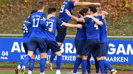 Viel Freude machte dem TSV Rain der vergangene November, als die letzten Punktspiele in der Regionalliga stattfanden und das Team sich vom Tabellenkeller auf den 13. Platz verbesserte. So kann es weitergehen, deshalb wird nun wieder fleißig gemeinsam trainiert.