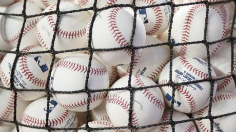 Unter Spielern, Managern und in US-Medien mehrt sich die Kritik an der Major League Baseball nach dem Corona-Ausbruch bei den Miami Marlins.