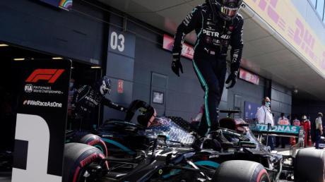 Mit einer Fabelrunde in der Qualifikation schockte Lewis Hamilton die Konkurrenz.