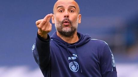 Macht sich über die Taktik von Real-Trainer Zidane Gedanken: Manchester-City-Coach Pep Guardiola.