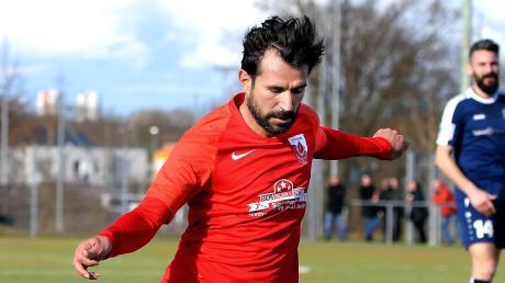 Alper Bagceci und Türkspor Neu-Ulm treten im Derby gegen Buch an.