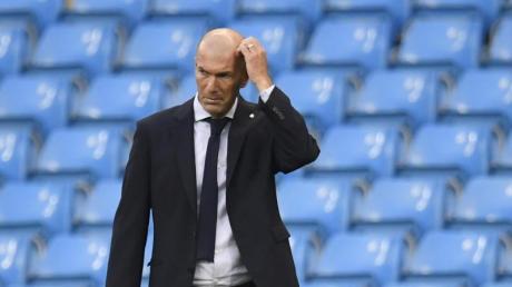 Wird nach dem Aus in der Champions League kritisiert: Real Madrids Trainer Zinedine Zidane.