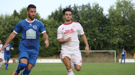 Rifat Subasi (links) kehrt zum SC Oberbernbach zurück.
