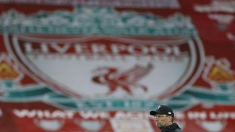 Liverpools Coach Jürgen Klopp ist zum Trainer des Jahres in der Premier League gewählt worden.