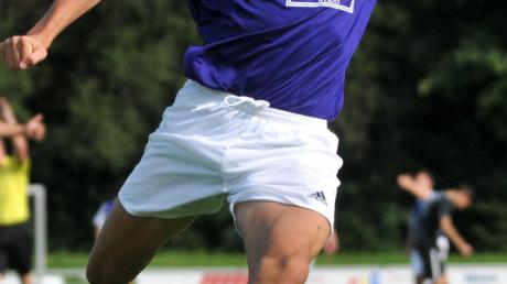Dinkelscherbens Hakan Avci war einer von drei Spielern, denen beim 7:3 gegen Viktoria ein Doppelpack gelang.