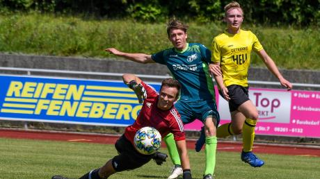 Der TSV Mindelheim ist startklar: Jonas Meier (rechts) schiebt im Testspiel ein. Noch ist unklar, ob die Fußballer vor Publikum spielen können.