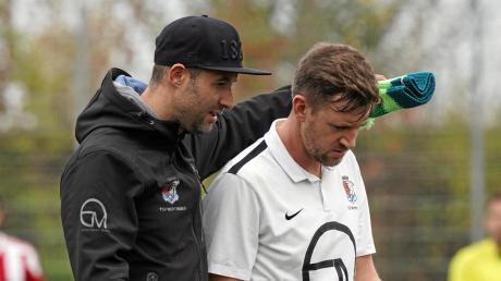 Haben sich vor dem möglichen Re-Start im September noch einiges zu sagen: Wertingens Cheftrainer Christoph Kehrle (links) und sein Stellvertreter Fabian Knötzinger.
