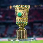 Wann die Partien des DFB-Pokals 2020/21 im TV, Stream und Free-TV oder Pay-TV zu sehen sind sowie alle Infos über teilnehmende Teams und den Spielplan finden Sie hier.