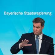 Ministerpräsident Markus Söder stellt angesichts hoher Neuinfektionszahlen in München eine Maskenpflicht auf öffentlichen Plätzen in Aussicht.