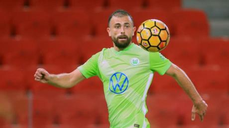 Traf zum 4:0-Endstand in Albanien:Wolfsburgs Admir Mehmedi in Aktion.