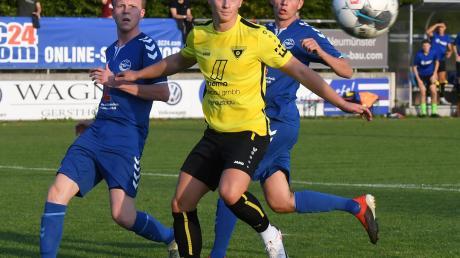 Ibrahim Neziri und der TSV Gersthofen mussten sich gegen den VfL Ecknach mit einer torlosen Nullnummer zufrieden geben. Dabei hatte man sogar Glück, dass der Schiedsrichter eine Elfmeterentscheidung zurück nahm.