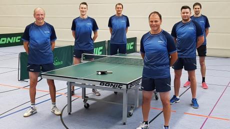 Das erste Herrenteam des TSV Harburg mit (von links) Reinhard Stang, Marco Pulci, Stephan Stang, Martin Reisner, Lukasz Wierzbanowski und Andreas Kühne präsentierte sich zum Saisonbeginn in herausragender Form.
