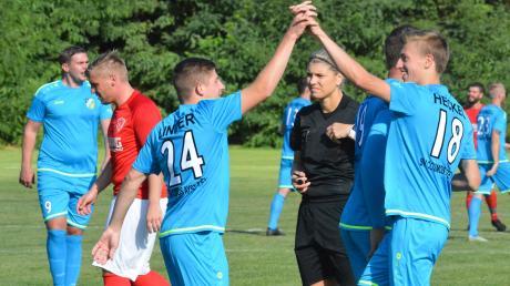 Ob die Spieler des SV Cosmos Aystetten am Wochenende jubeln können, hängt nicht nur vom Ergebnis sondern auch von Corona-Tests beim Gegner ab.
