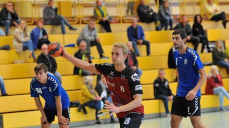 Mit neun Toren war Tobias Bauer erfolgreichste TVG-Werfer beim Auftakt-Heimsieg gegen Stadeln. Hier verwandelt er eine Strafwurf zum 7:4-Zwischenstand.
